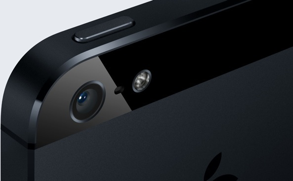iPhone-5-black-camera-closeup-001